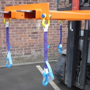 fork-mounted battery lifting beam