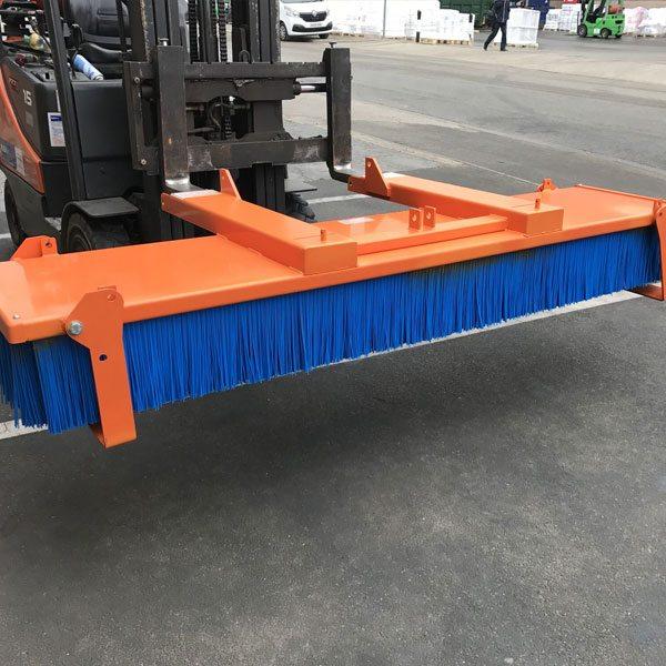 Invicta-basil-fork-mounted-sweeper