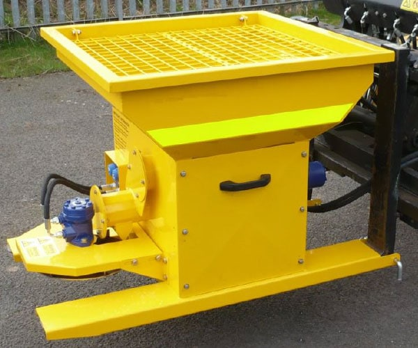 hyraudlic-gritter-forklift-attachment