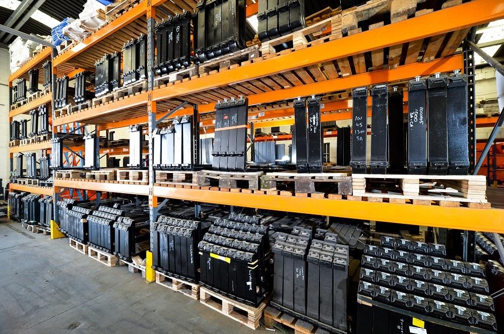 forklift-forks-stock-warehouse